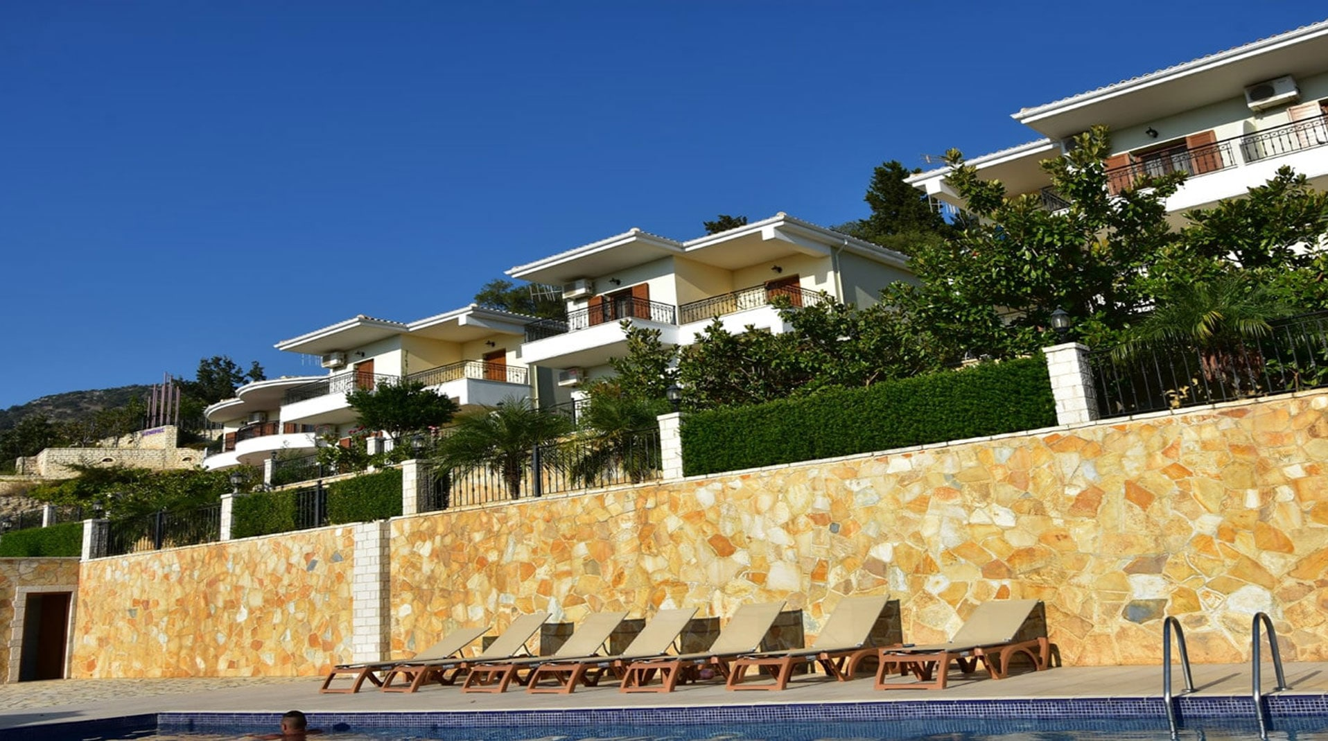 <em>Demiris Hotel <br > Sivota - Greece</em>